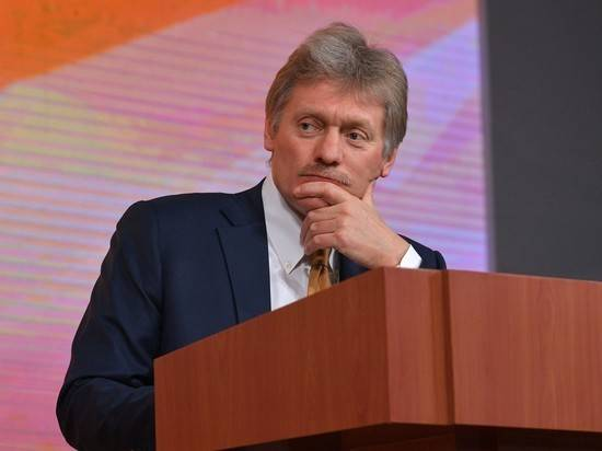 Коронавирус: Кремль обсуждает формат парада Победы и голосования по Конституции