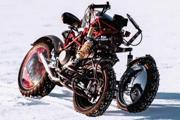 Российский умелец создал уникальный трайк для гонок на льду
