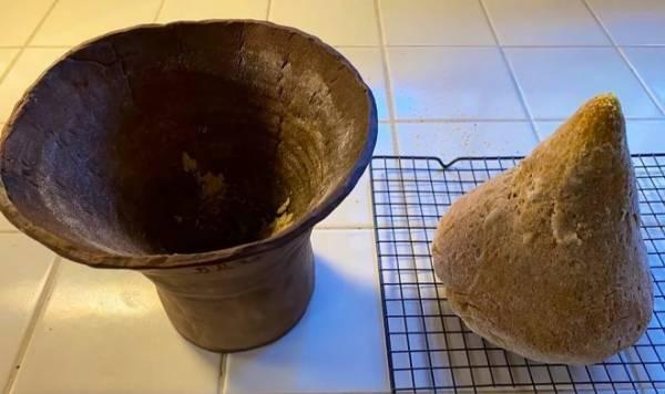 Энтузиаст испек хлеб по рецепту из Древнего Египта на дрожжах возрастом 4000 лет