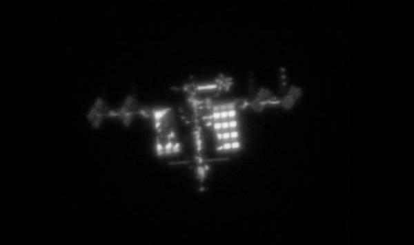 Фотолюбитель сумел сфотографировать МКС, не выходя из дома
