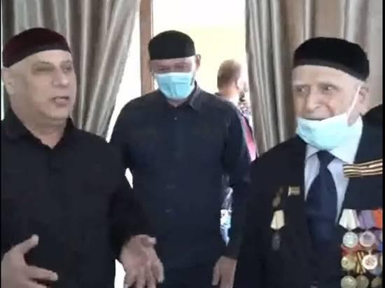 В Чечне выплатили ветеранам войны по миллиону рублей