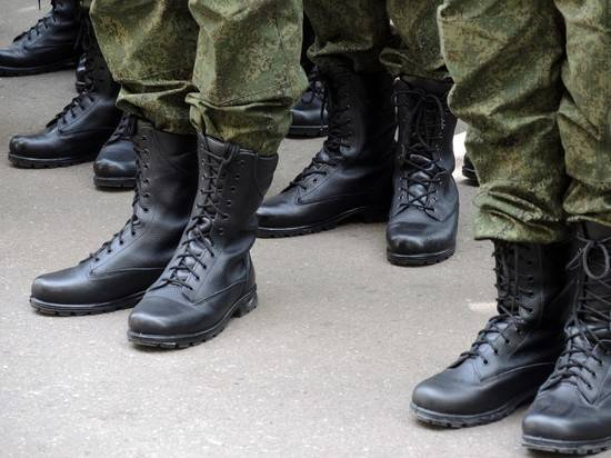 Коронавирус нашли у 1709 российских военных