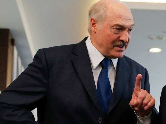 Лукашенко: в истории с пандемией половину занимает политика