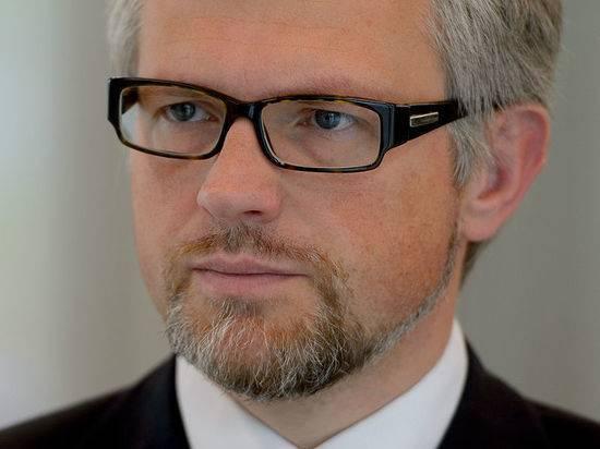Посол Украины обвинил обозвавшего его карликом Шредера в унижении украинцев