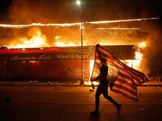 Из-за массовых беспорядков в США заговорили о вмешательстве военных