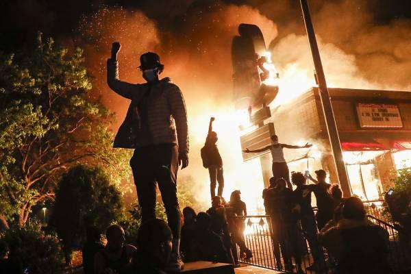Протесты в США: что нужно знать о принципах действий полиции