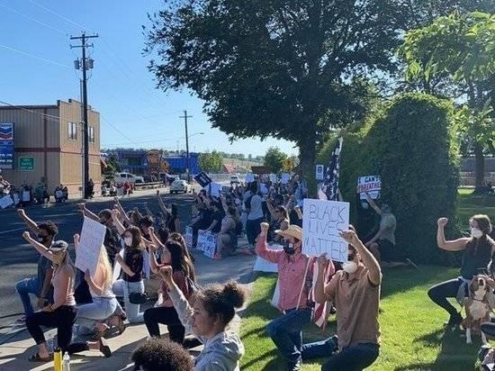 Евросоюз поддержал протесты в США