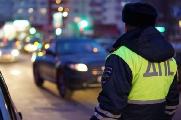 Автомобиль влетел в витрину кафе в Санкт-Петербурге