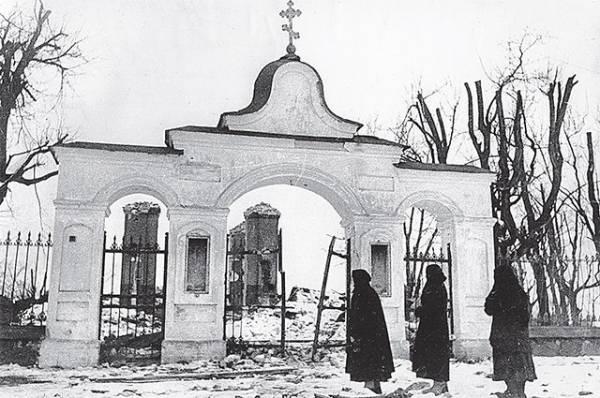 В Томской области сгорел бревенчатый храм XIX века