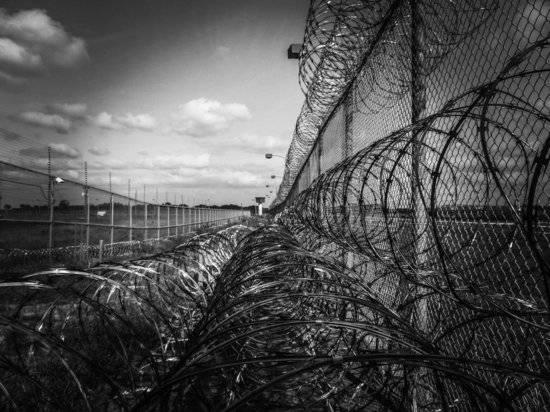 Порошенко заявил, что готов сесть в тюрьму «ради спасения Украины»