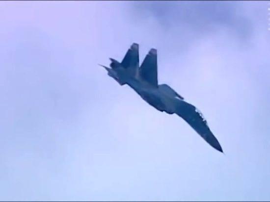 Российские истребители поднялись на перехват самолета ВВС США