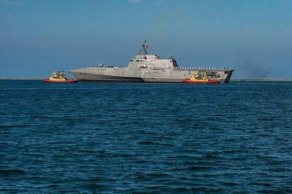 При ЧП с машиной ВМС США погибли восемь военных