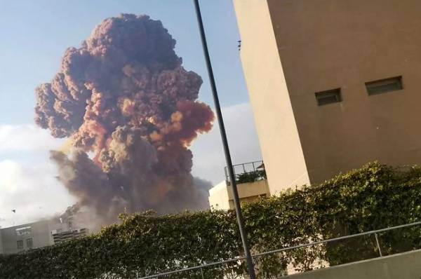 Власти Ливана опровергли версию о взрыве пиротехники в Бейруте