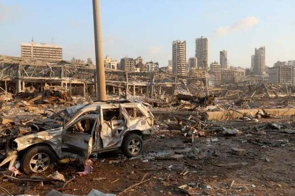 Жена и дочь премьер-министра Ливана пострадали при взрыве в Бейруте