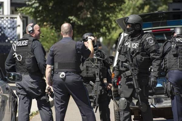 Во время беспорядков в Портленде пострадали трое полицейских