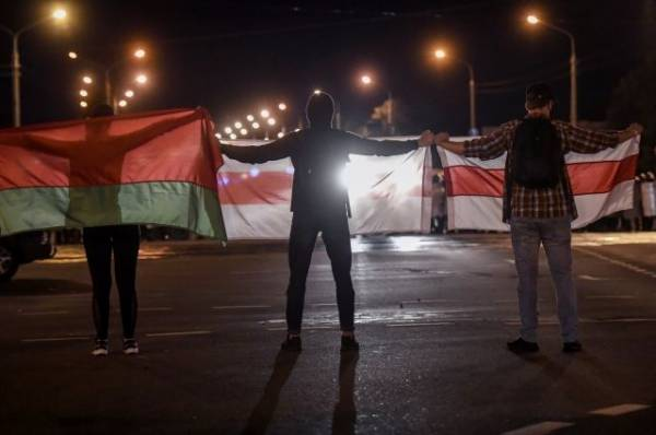 МВД Белоруссии: при столкновениях в Минске погиб мужчина