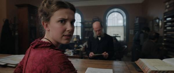 """Ведьмак стал Шерлоком: Netflix показала тизер фильма про сестру известного сыщика с участием звезды """"Очень странных дел"""""""