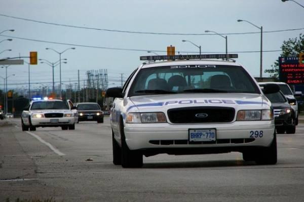 В Торонто задержали мужчину, вооруженного мачете