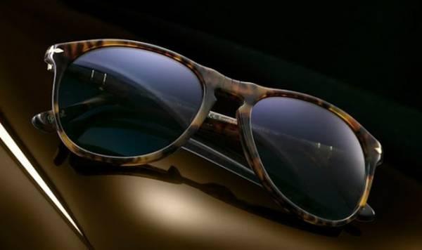 Ученые не нашли подтверждений, что очки с фильтрами синего света помогают уснуть