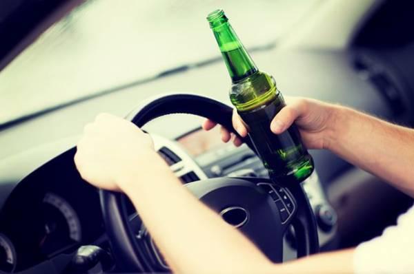 В Находке пьяный водитель на иномарке врезался в машину скорой помощи