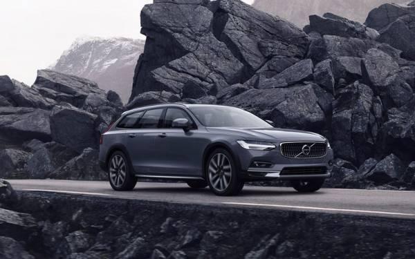 Обновленные Volvo S90 и V90: скорость ограничили!