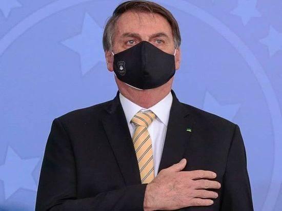Президент Бразилии назвал самоизоляцию проявлением слабости
