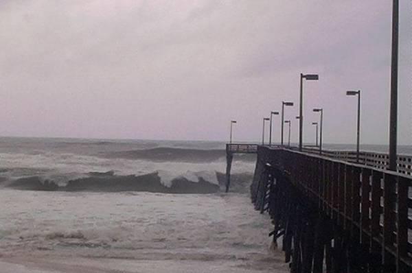 Ураган «Тедди» ослабел до третьей категории