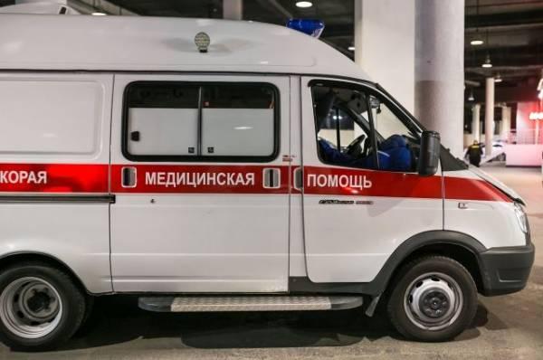 На востоке Москвы перевернулась машина скорой помощи