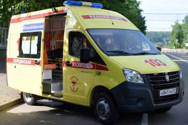 В центре Москвы водитель иномарки сбил двух человек на тротуаре