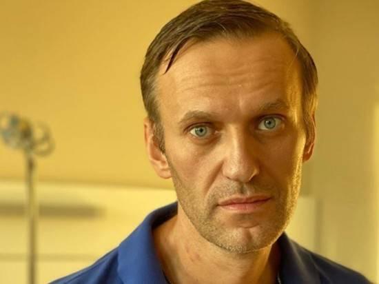 """Навальный ответил на """"идею Путина"""", что он сам выпил """"Новичок"""""""