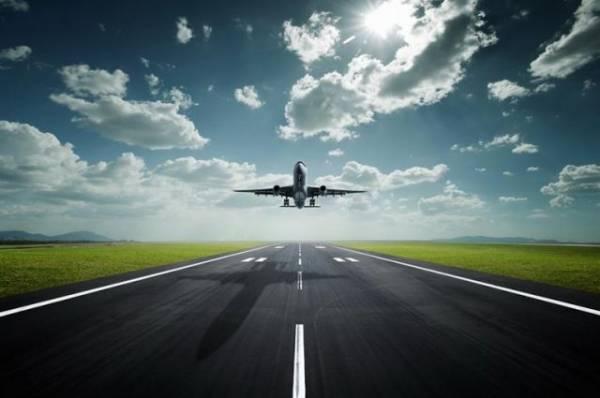 В Нижневартовске вынужденно сел самолет, так как пассажиру стало плохо