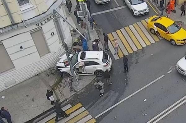 Водитель, сбивший пешеходов в центре Москвы, был под наркотиками