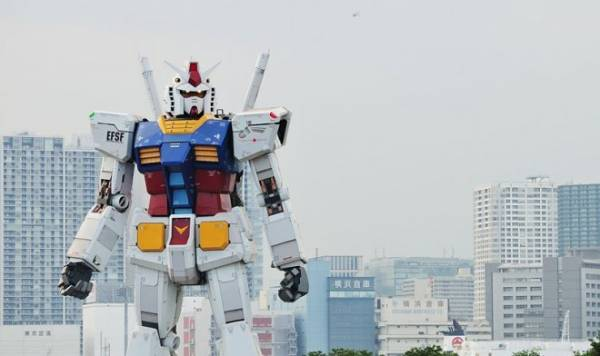 Самый большой человекообразный робот в мире провел первую разминку