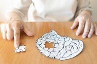 Грозит ли болезнь Альцгеймера людям, у которых плохая память с детства?