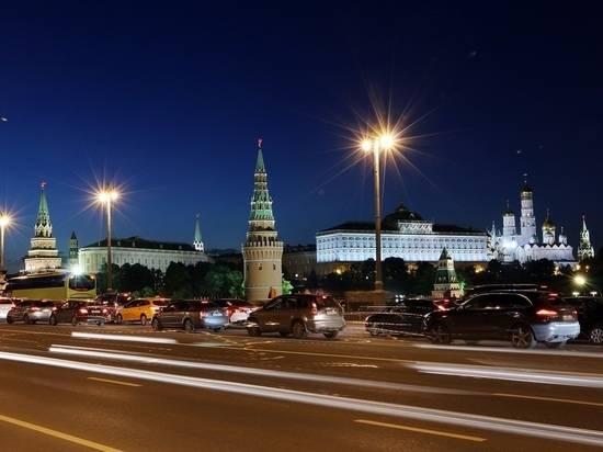 """В Кремле оценили противоречия в заявлениях МИД и СВР по """"Новичку"""""""