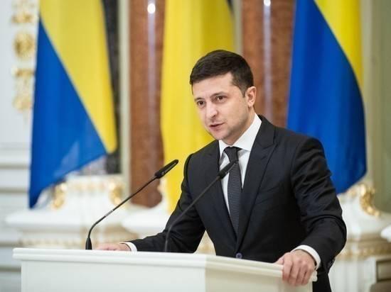 Зеленский уволил обвинявшего Порошенко замглавы делегации Украины в ТКГ