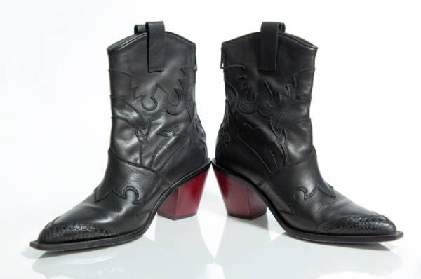 Квадратный нос и казаки. Какую обувь модно носить этой осенью