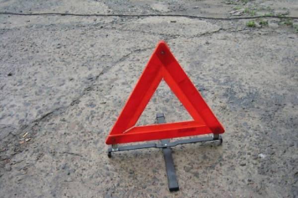 В Ленобласти самосвал врезался в надземный переход