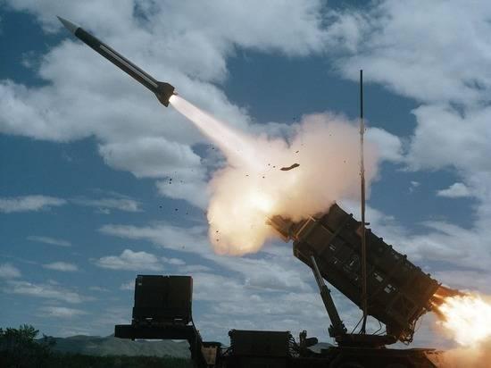 Антонов: Россия пытается убедить США прекратить гонку вооружений