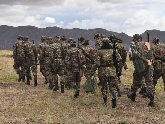 Азербайджанским военным пообещали коридор для выхода из окружения