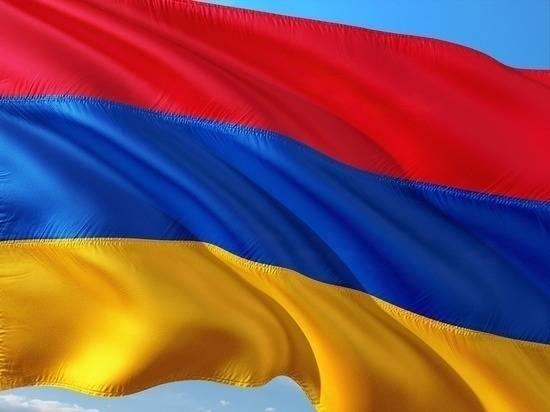 Азербайджанская армия атаковала две школы в Армении