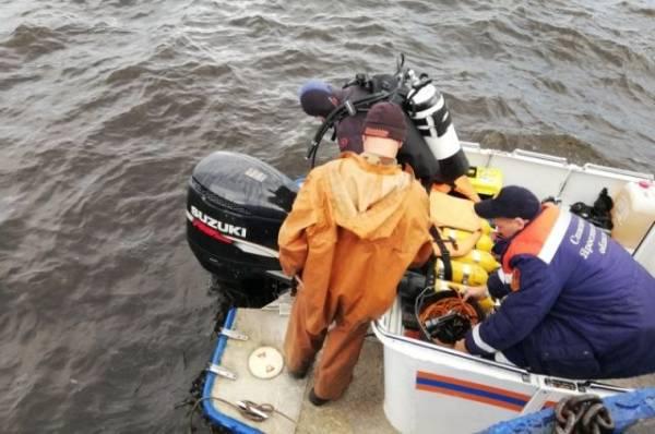Упавший под Вологдой вертолет ушел под воду