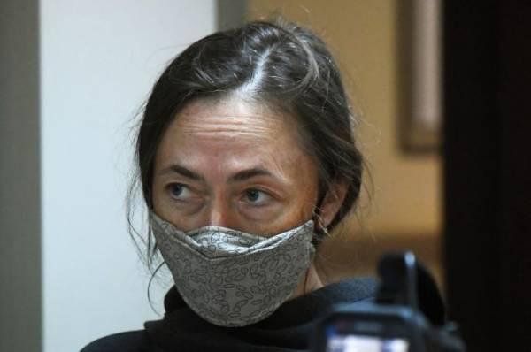 Жена Ефремова заподозрила его адвоката в сговоре с Добровинским