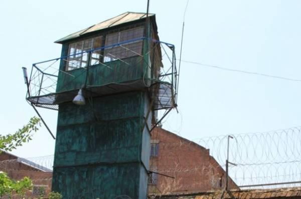 Двое осужденных сбежали из колонии-поселения в Иркутской области