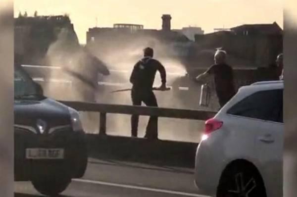 Злоумышленник освободил двух заложников в Грузии после переговоров с МВД