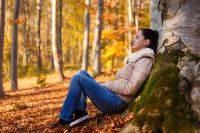 Больше ходить и есть чеснок. Врач — о способах поддержать иммунитет осенью