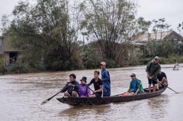 Из-за наводнения во Вьетнаме погибли уже более 110 человек