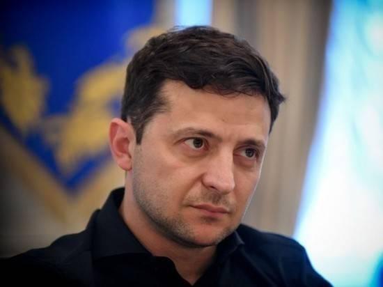 Из-за протестов в Киеве к дому Зеленского стянули силовиков