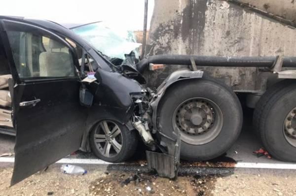 Три человека погибли в Воронежской области в аварии с грузовиком