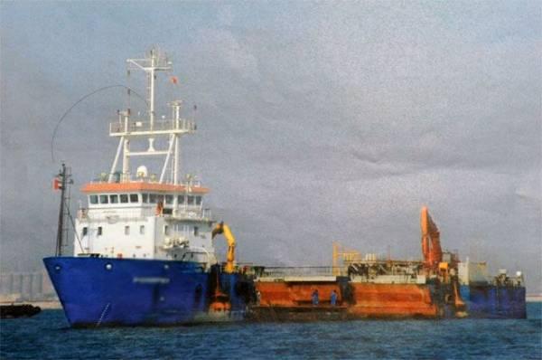 Британская полиция заявила о ЧП на нефтяном танкере в проливе Ла-Манш